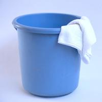 バケツと雑巾の写真