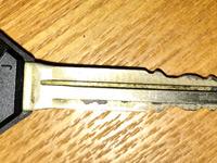 リモコンキーの鍵の部分の写真