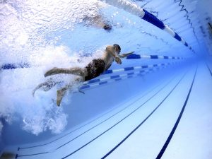 近眼の方が水泳をするときはゴーグルはどうしてる?度入りのゴーグルを推奨!
