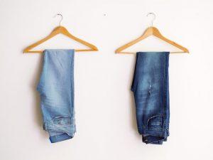 デニムを夏に履くと暑い…夏にデニムをサラリと履く方法!
