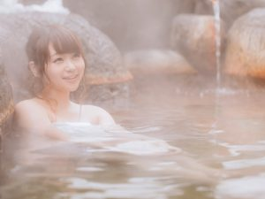 生理中に温泉旅行に行くことになったら?生理中でも温泉に入る対処法と注意点