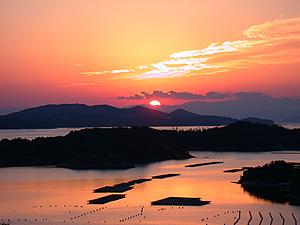 夕日が沈む英虞湾の景色