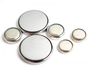 ボタン電池とコイン電池の違いはあるの?型番のローマ字や数字の意味は?