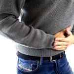 盲腸は左右どちらどっちが痛む?盲腸の初期症状と確認方法