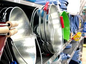 バケツに水は何リットル入るの?バケツの号数と水の容量と直径と高さなどのまとめ